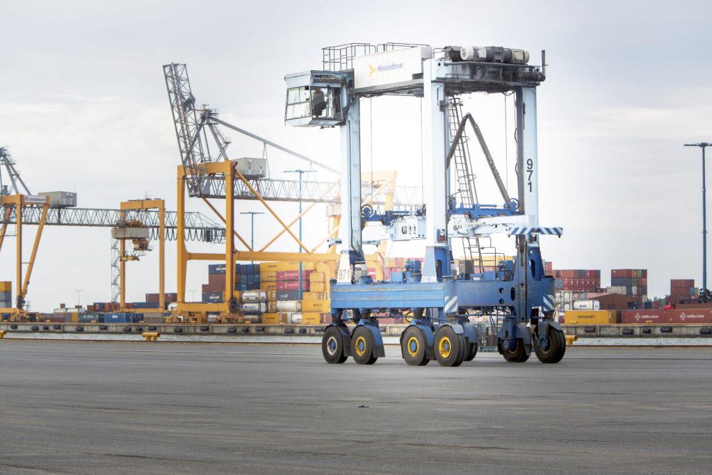 Suomen vienti jatkoi lokakuussa alkuvuoden alakuloa | Suomenmaa